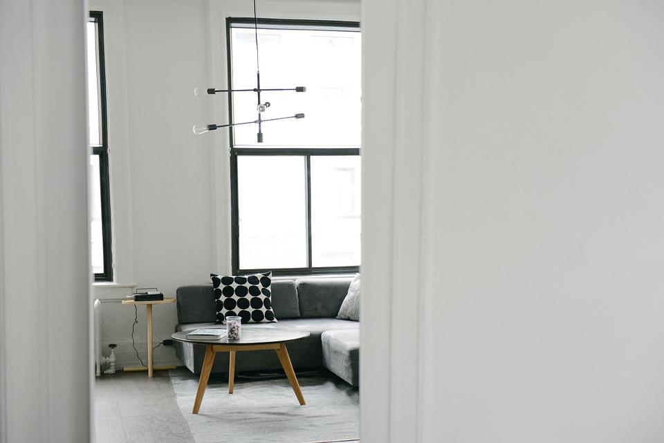 Vierkante woonkamer
